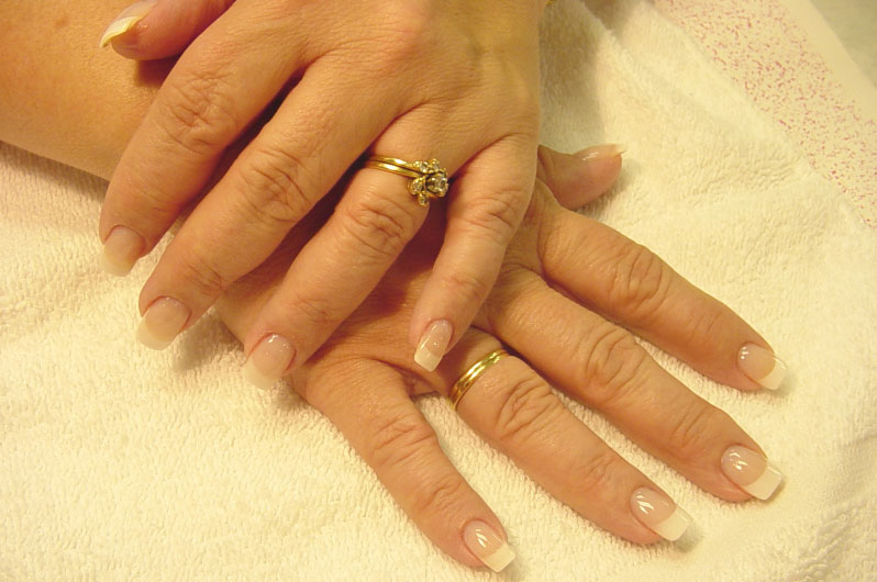 <div class='slider_caption'> <h1>Would you like beautiful Nails? Stop Biting your Nails with Expert Hypnotherapy in Windsor</h1> <a class='slider-readmore' href='http://www.thehypnotherapycentre.co.uk/nail-biting'>Help to Stop Nail Biting</a> </div>